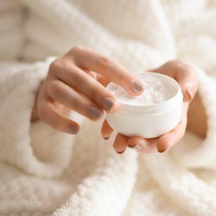 對抗秋冬乾燥!「平價回購款保濕護膚商品」推薦3選☆